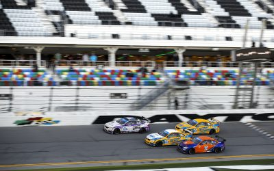 Dramatic Lead Battle At Daytona